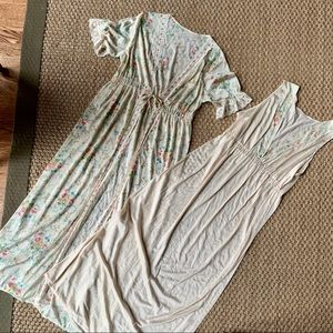 Vintage Cream and Floral Nightgown and Robe Set